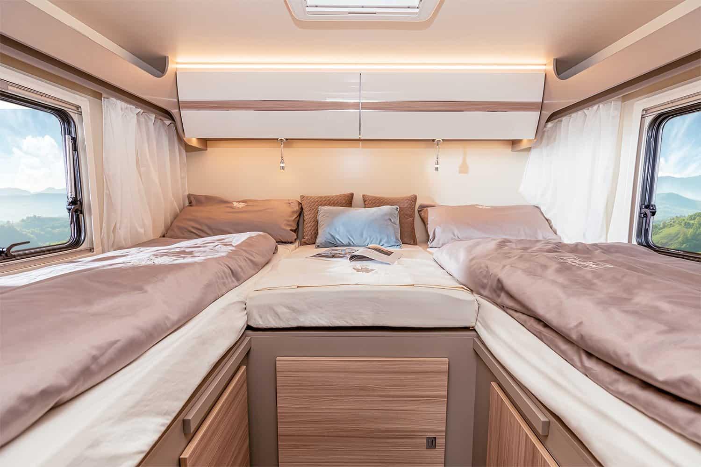 ahorn-ACT-690-2021-gesamt-Einzelbetten-mit-Hintergrund_1-f5ff076c